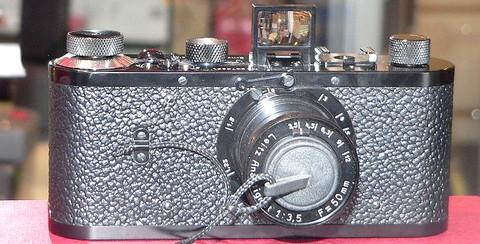 480px-Leica-0