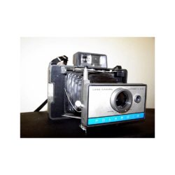 800px-Polaroid_Automatic_210_105354018.jpg