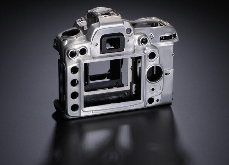 D7000-magnesium-body.jpg