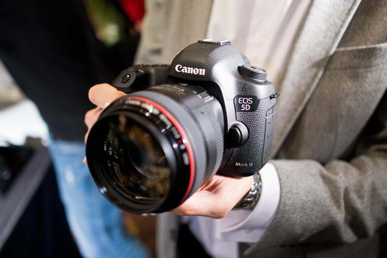 Canon eos 5d mark iii images live r ponses et avis lense for Canon 5 d mark 3