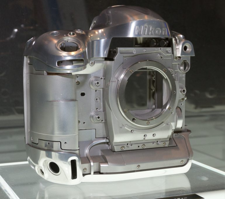 2012_Nikon_D4_magnesium-alloy_frame_2012_CP+.jpg