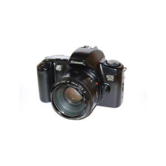 800px-Canon_EOS_500.jpg