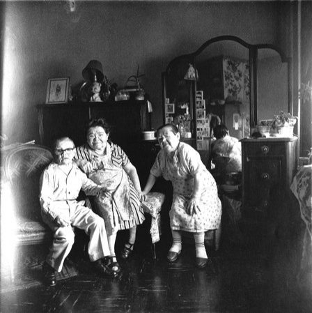 Russian-Midget-Friends-in-Leaving-Room-100th-Street.jpg