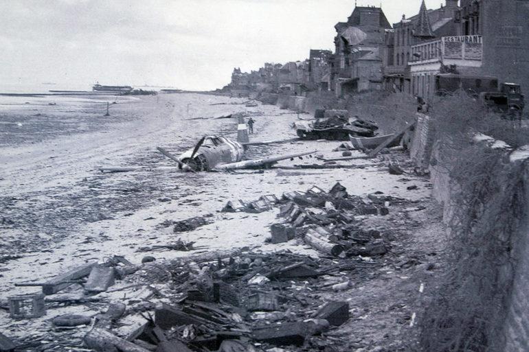plane-1944.jpg