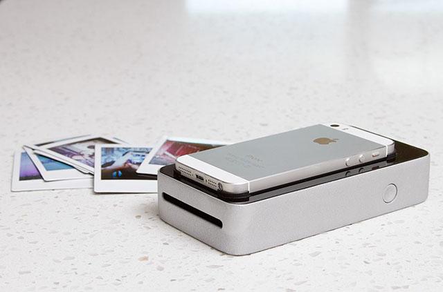 snapjet l 39 accessoire qui transforme votre smartphone en polaroid lense. Black Bedroom Furniture Sets. Home Design Ideas