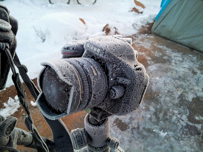 01-digital-camera-frost-snow-bad-weather.jpg