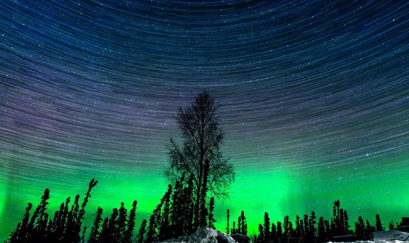 Les splendides aurores bor ales de l 39 alaska d voil es en for Sfondi desktop aurora boreale