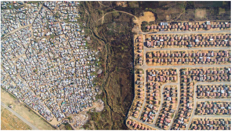 Vusimuzi Mooifontein Cemetery © Johnny Miller