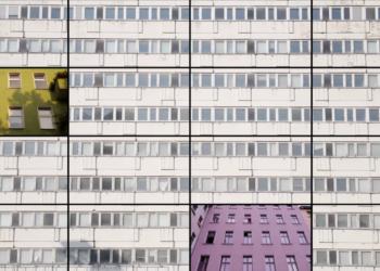 berlin-pantone-lense.png