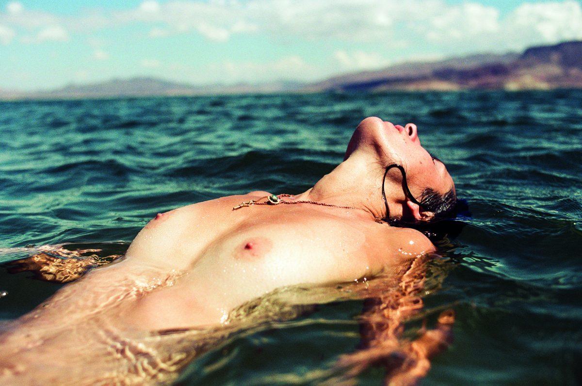 Elise in the Lake - © Théo Gosselin et Maud Chalard