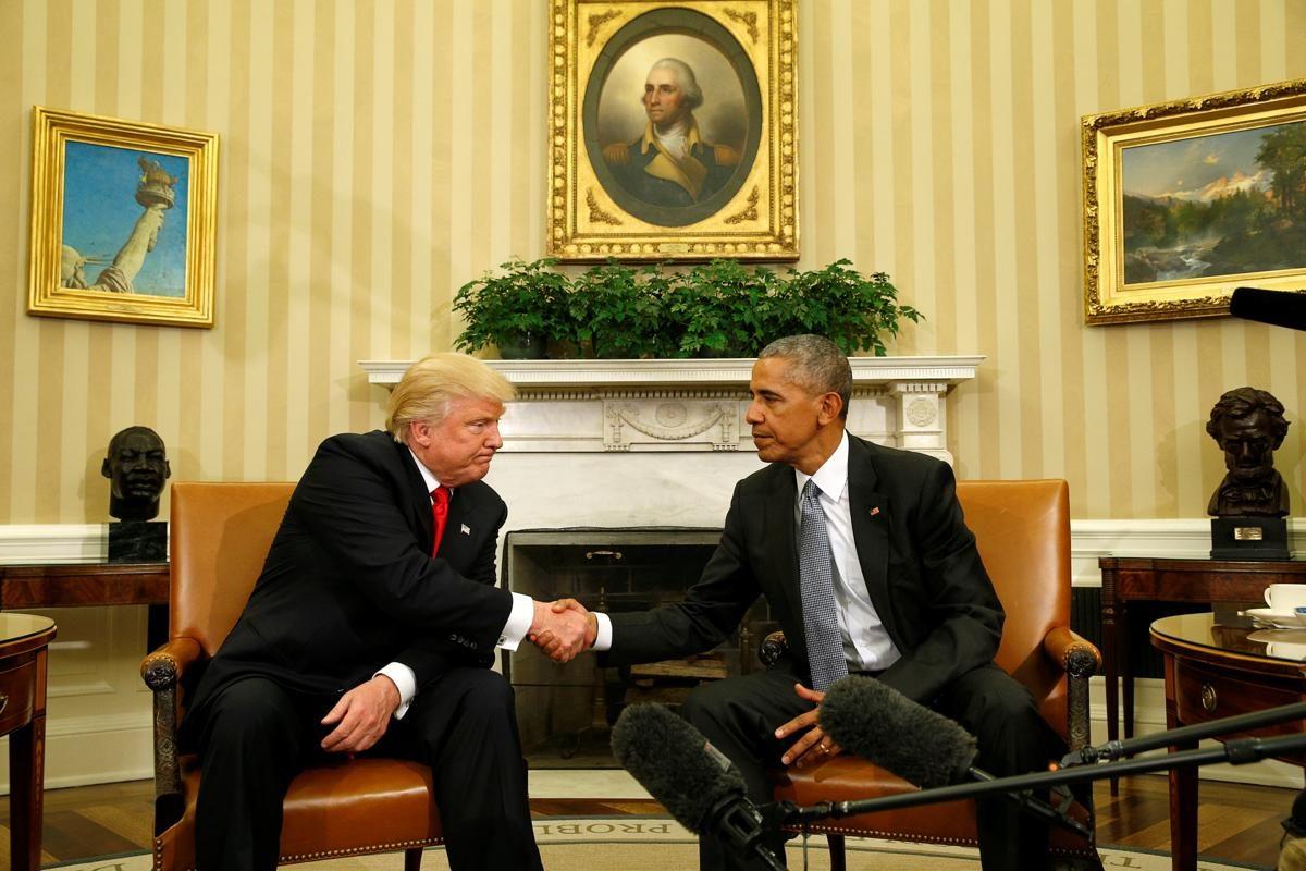 La rencontre entre le Président Barack Obama et le nouveau Président élu Donald Trump dans le bureau Oval de la Maison Blanche à Washington, Etats-Unis - © Kevin Lamarque/Reuters