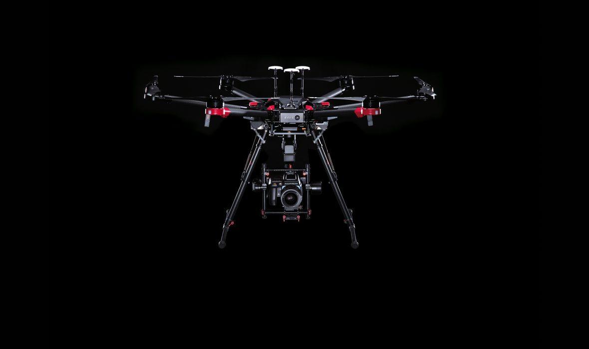 dji et hasselblad pr sentent un drone 100 mp lense. Black Bedroom Furniture Sets. Home Design Ideas