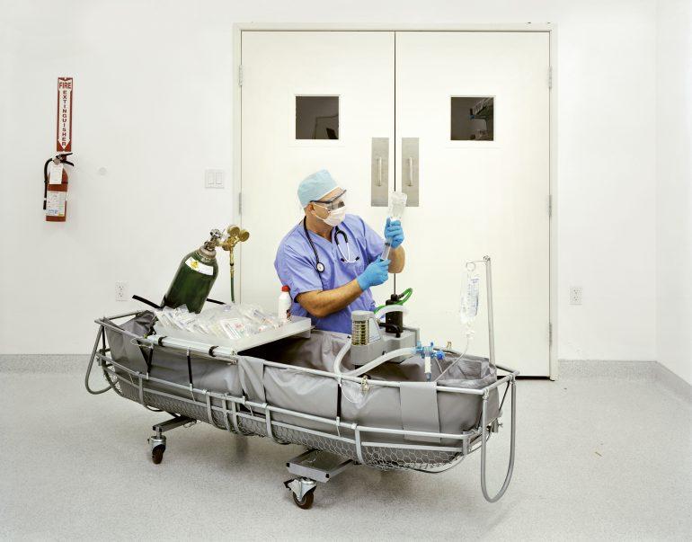 Aaron Drake, Medical Response Director, prepares stabilisation m