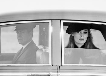 Ursula Andress, rolls & chauffeur, Dublin, 3 novembre 1965