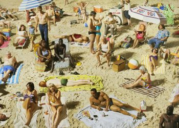 01_Press Image l Alex Prager, Crowd #3 (Pelican Beach),