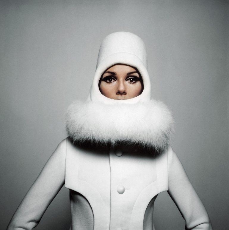 5. Pour Sunday Times, Nicole De Lamargé en Cardin, 1966 - Copyright Peter Knapp
