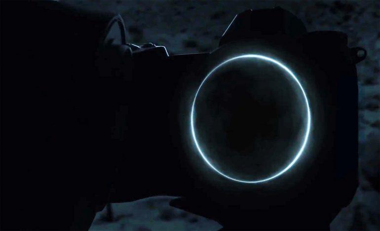 Nikon-hybride-teasing-2