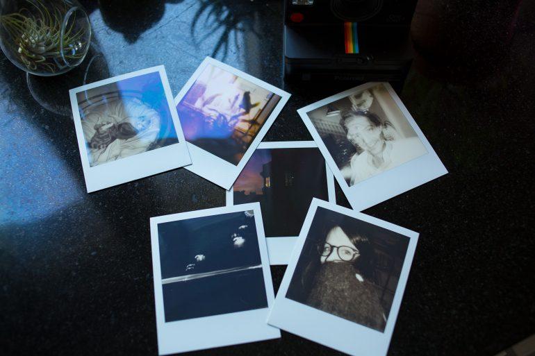 illus_CT_3_Pola_photos