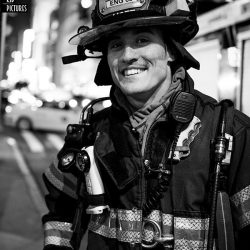 thumbnail_New York - Firefighter FDNY Engine 65 - Thanks for your job