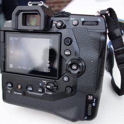 OM-D-E-M1X-01