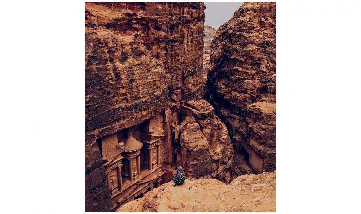 Shot-on-iPhone-Challenge-Announcement-Woman-in-front-of-Petra_big