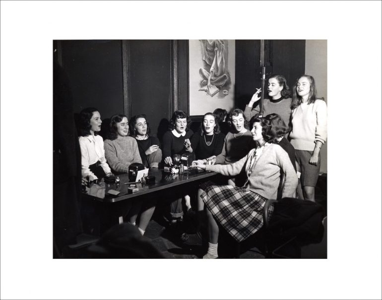 ph.f1.46-alumnae-pub-mural-c1947_print
