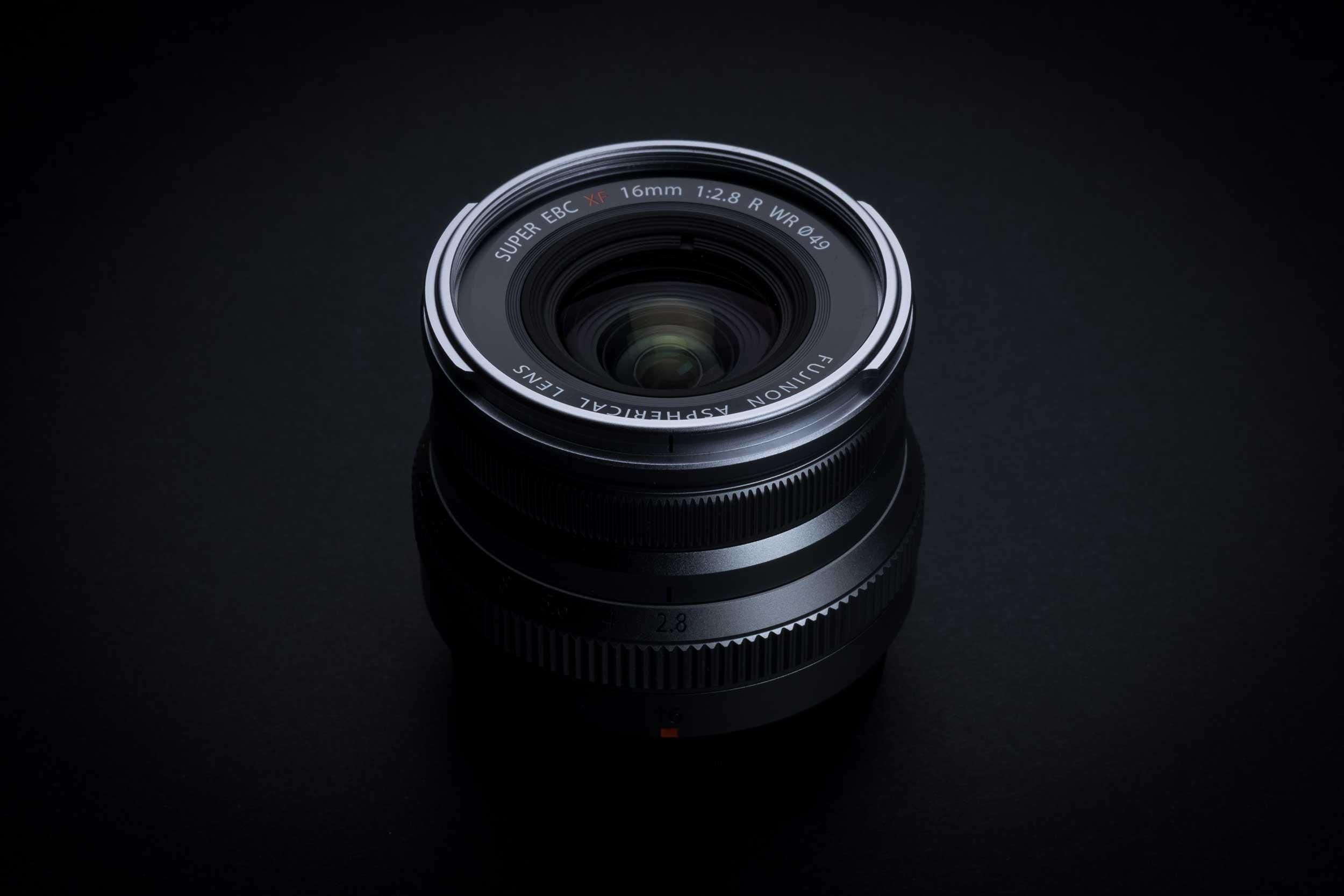 Fujinon XF 16 mm f/2,8 R WR : un grand-angle compact à 399 €