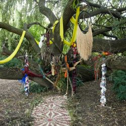 9-Totem-Installation-by-Camilla-Mason,-2016