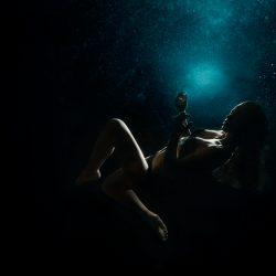 Alison-bounce-underwater10