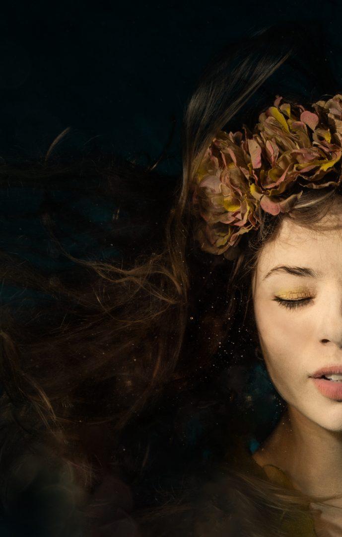 Alison-bounce-underwater3