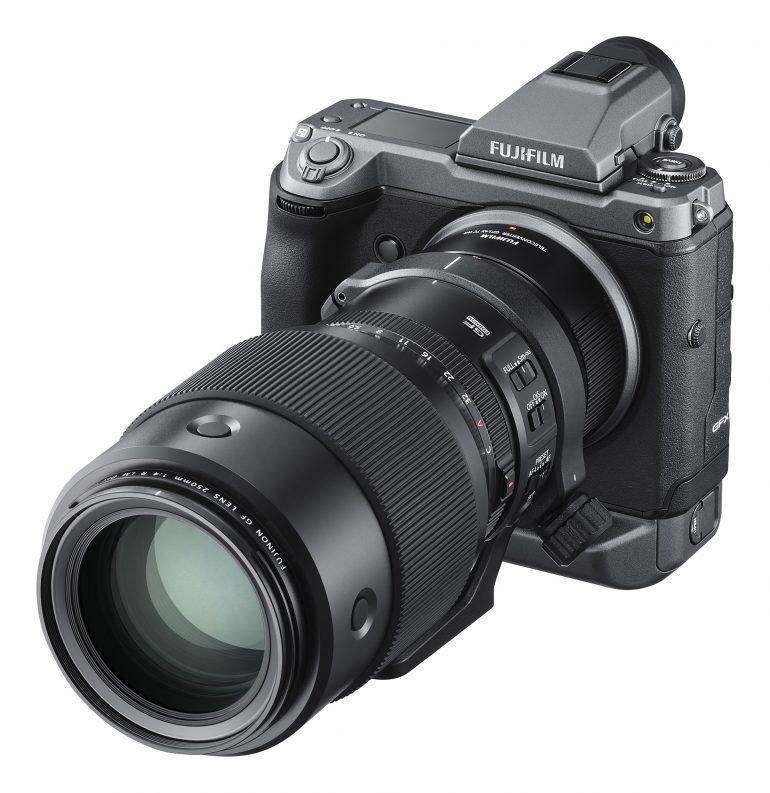 GFX_100_LeftObl+EVF+GF250mm