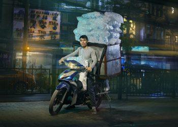 motorcycle-delivery-hanoi-photos-jon-enoch-8