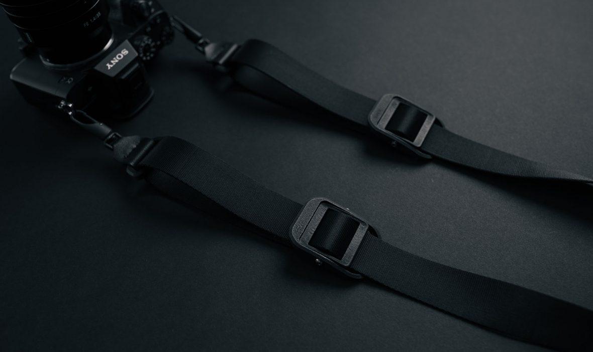 kurvd-universal-camera-strap-01-2000px