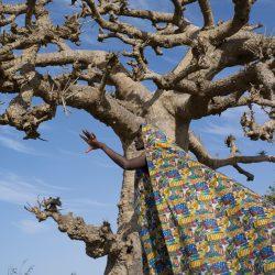 03_© Maïmouna Guerresi_Beyond the border - A journey to Touba