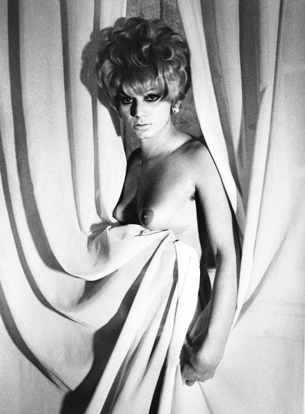 Ciaccia Levi ┬À Lisetta CARMI, I travestiti, Rene╠üe, 1965-1970 - courtesy the Artist, Martini & Ronchetti (Genoa) and Ciaccia Levi (Paris)