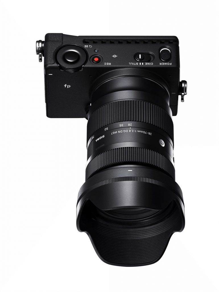 SIGMA 28-70mm F2.8 DG DN Contemporary_c021_img1_wt (2)