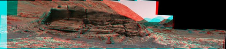 PIA24266-Curiositys_3D_View_of_Mont_Mercou_c_anaglyph-1-800x177