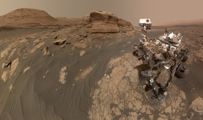 The-Curiosity-Rover-Took-a-Massive-318-Megapixel-Selfie-On-Mars-800x420
