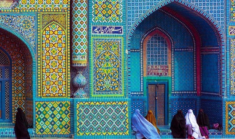 Vanishing-Asia-travel-photobook-Kelly-petapixel-15-800x536