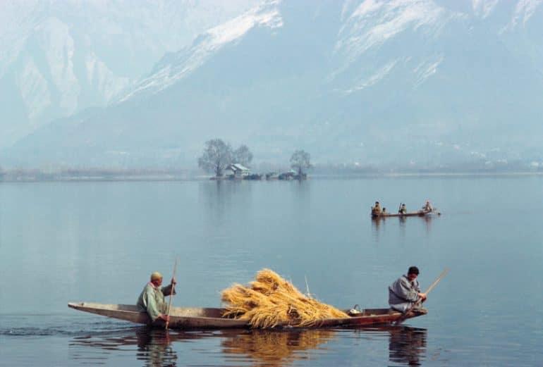 Vanishing-Asia-travel-photobook-Kelly-petapixel-9-800x541