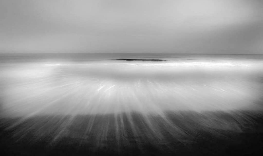 black-and-white-photography-contest-ocean-impression-by-mitchell-anolik-1024x652