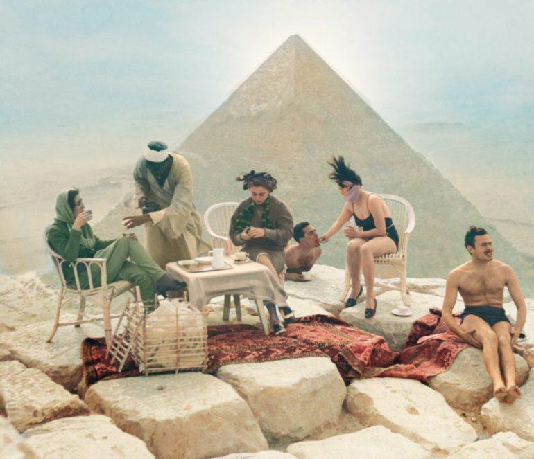 pique-nique-pyramide--bettmann-getty-images-colorisation-gabriel-nion-940x809