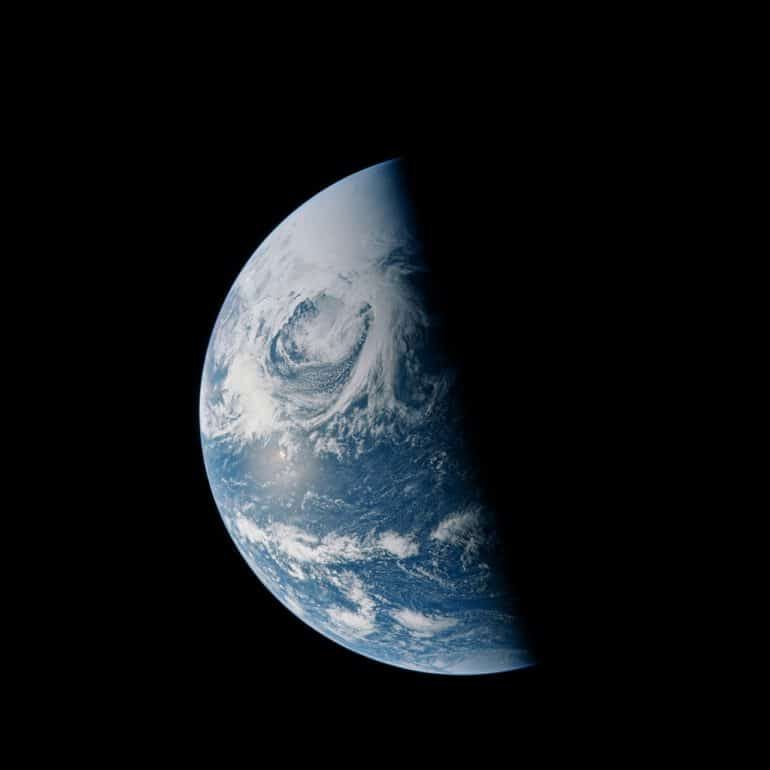 AS13-60-8592-earth-restored-apollo-images-1-1024x1024