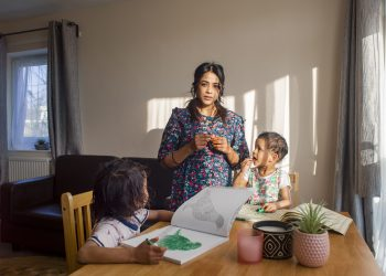Jana with Izaan and Yaana, Holding the Baby, 2021, courtesy of Polly Braden
