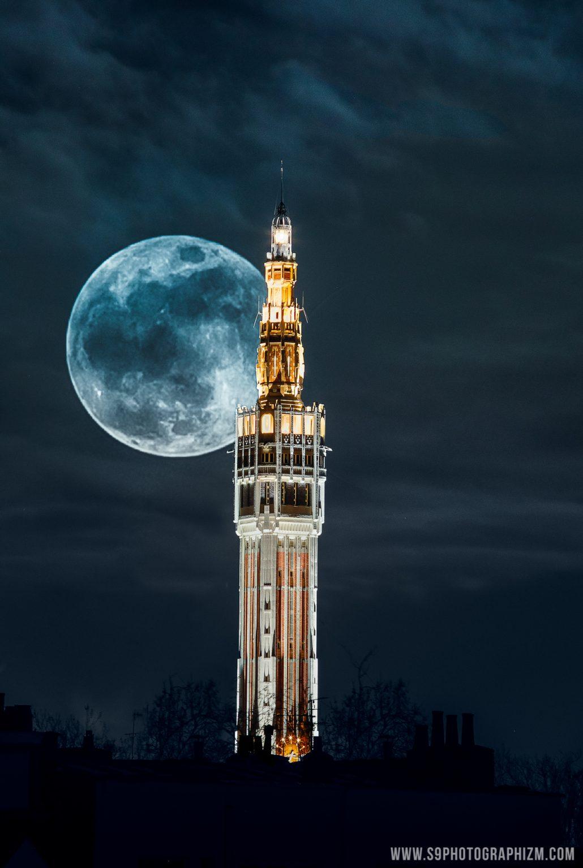 Big big BIG moon