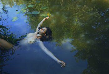 Amadrya dans les eaux