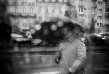 sous la pluie-