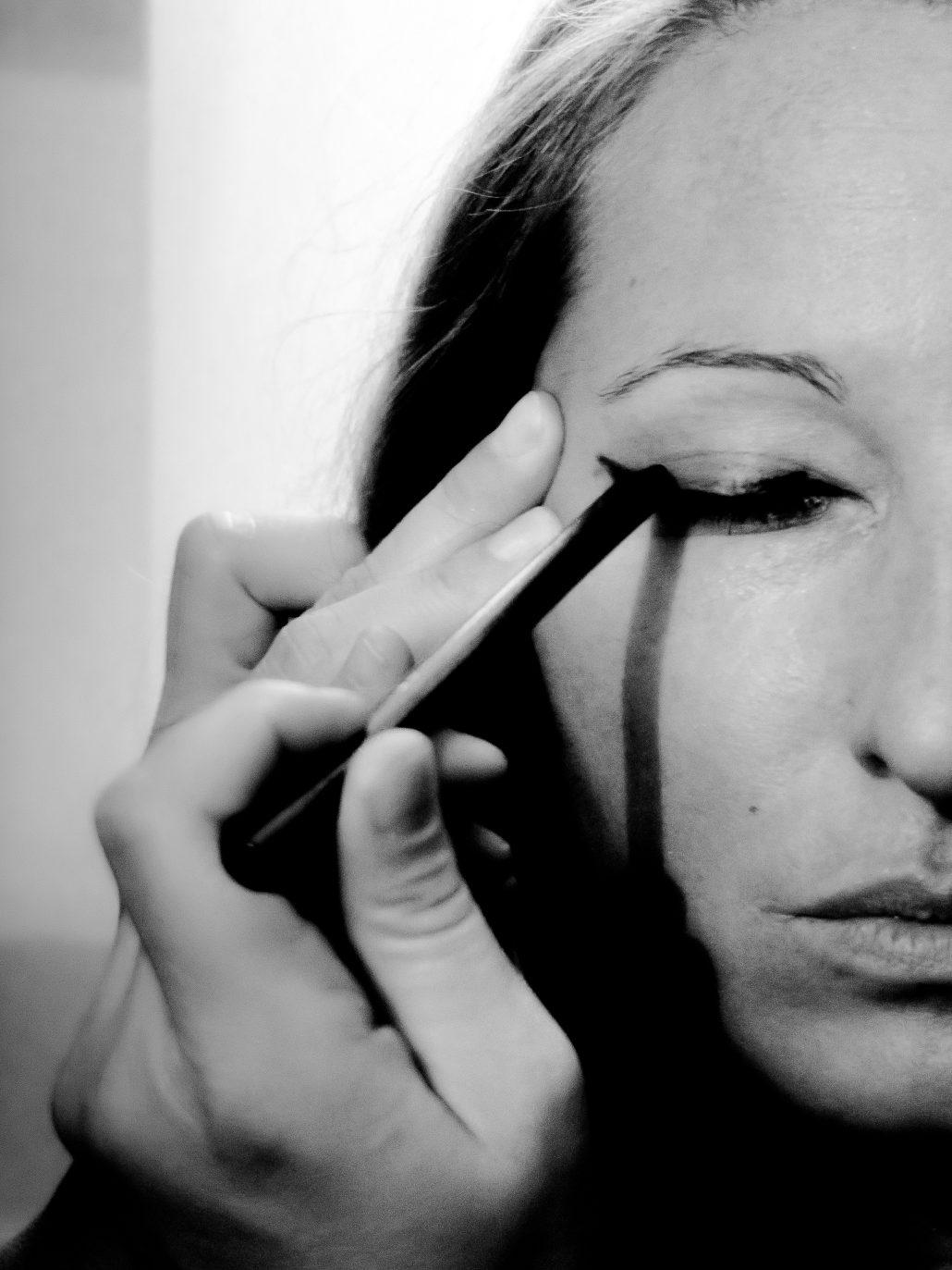 La Femme au Maquillage