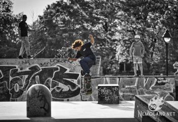 Skateur en action