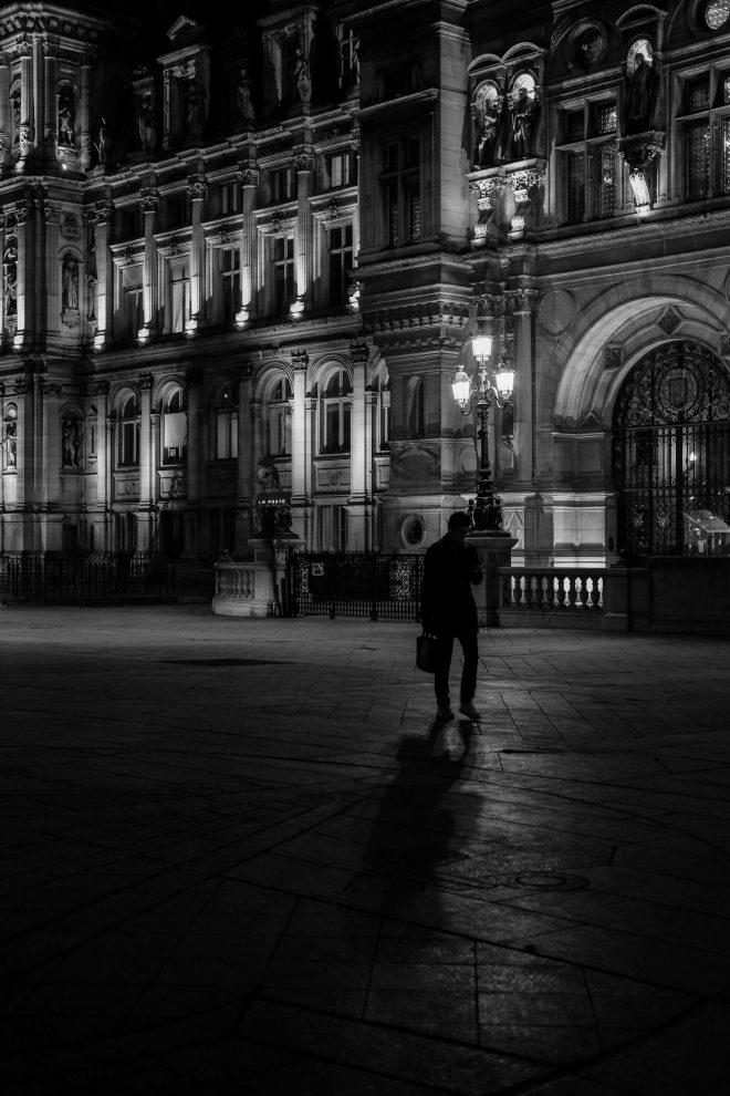 Silhouette dans la nuit